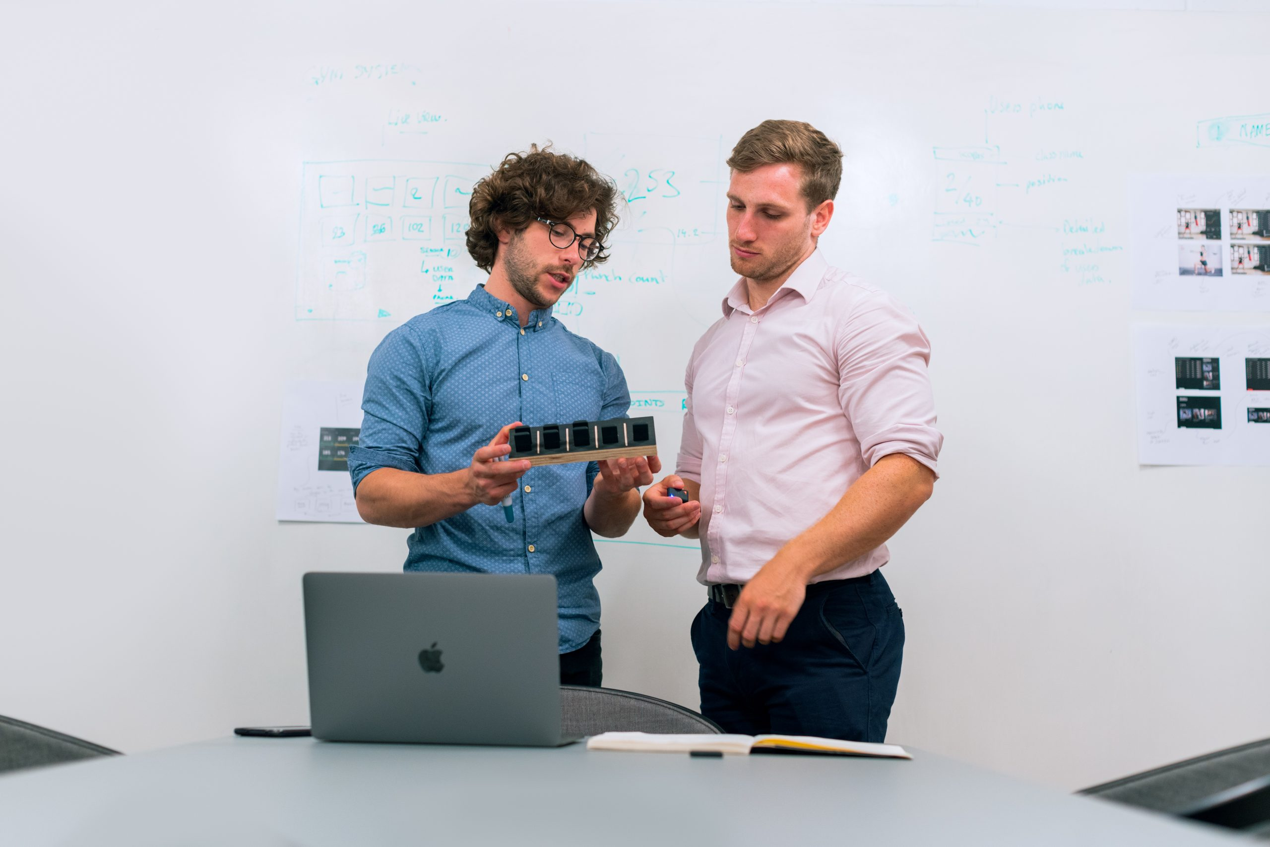 5 tips on how to communicate sensitively mirroring